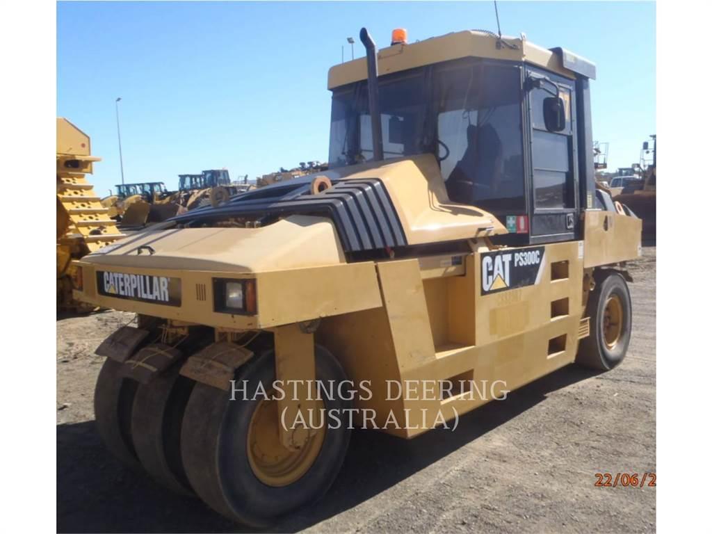 Caterpillar PS-300C、空気式タイヤ・コンパクタ、建設
