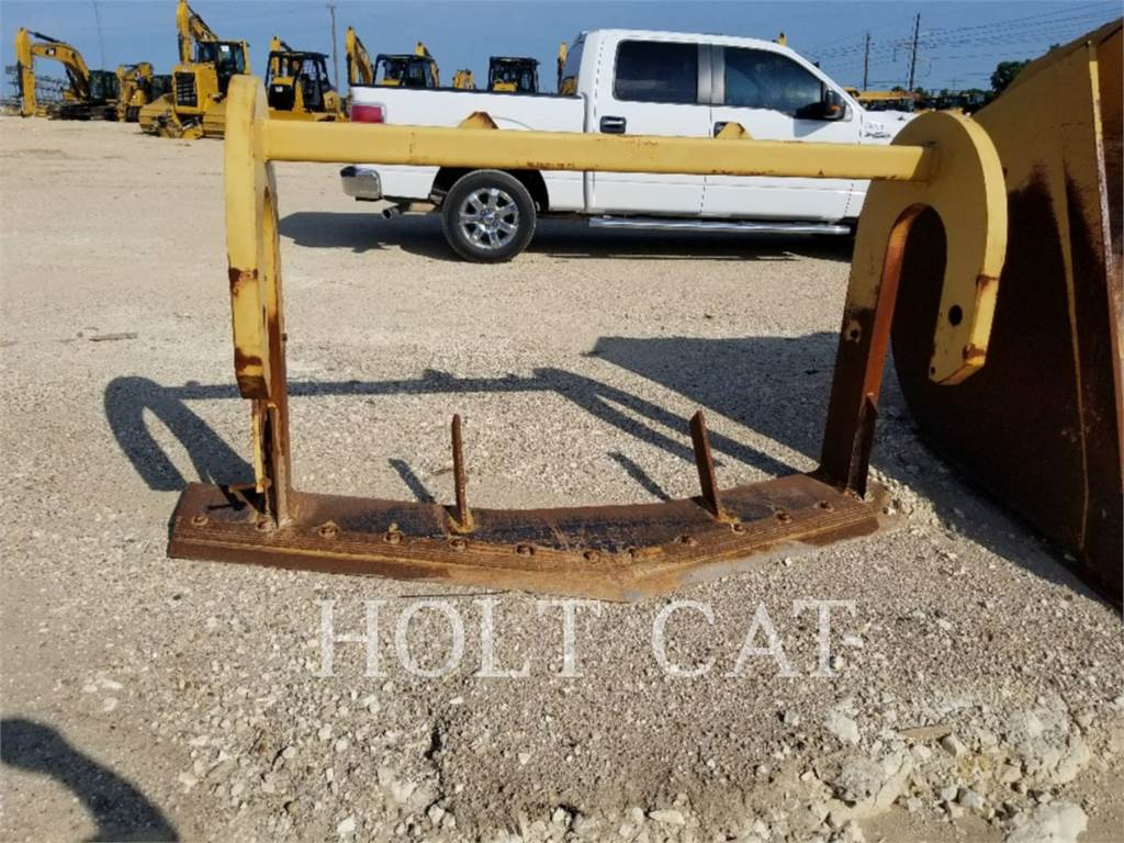 Caterpillar ROOT PLOW, rateau, Agricole