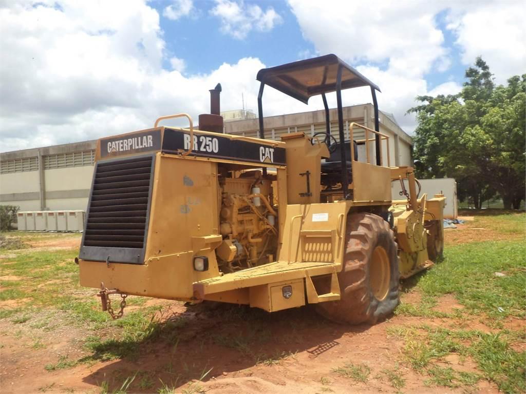Caterpillar RR250, stabilizers / reclaimers, Construction