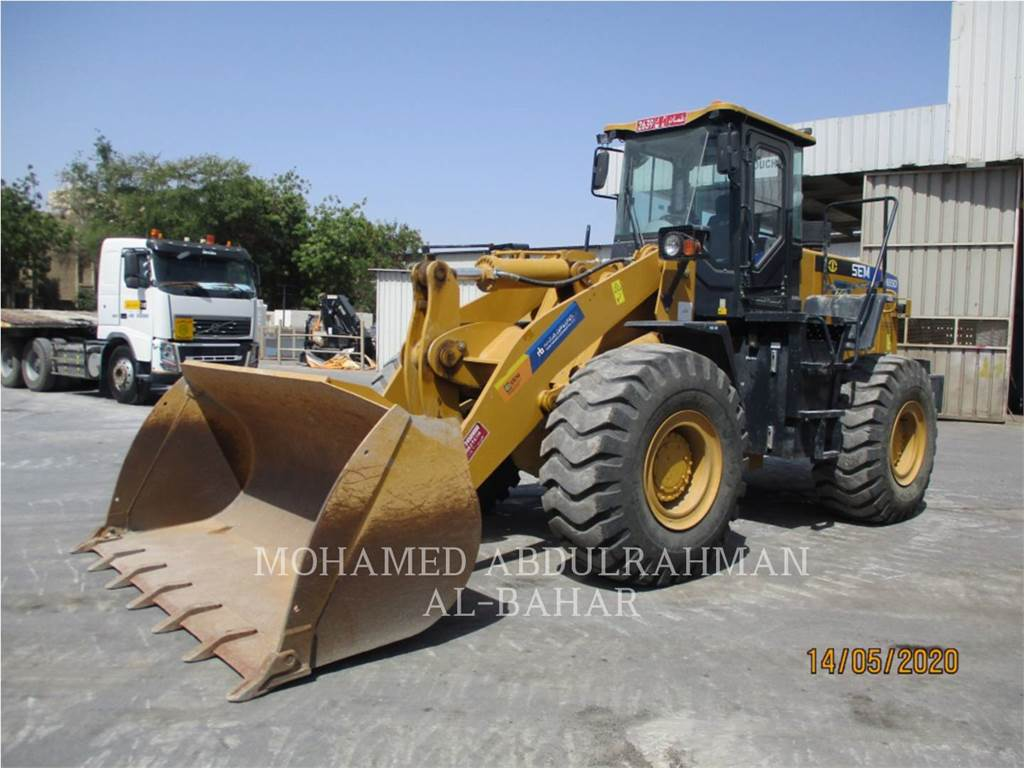 Caterpillar SEM655D, Wielladers, Bouw