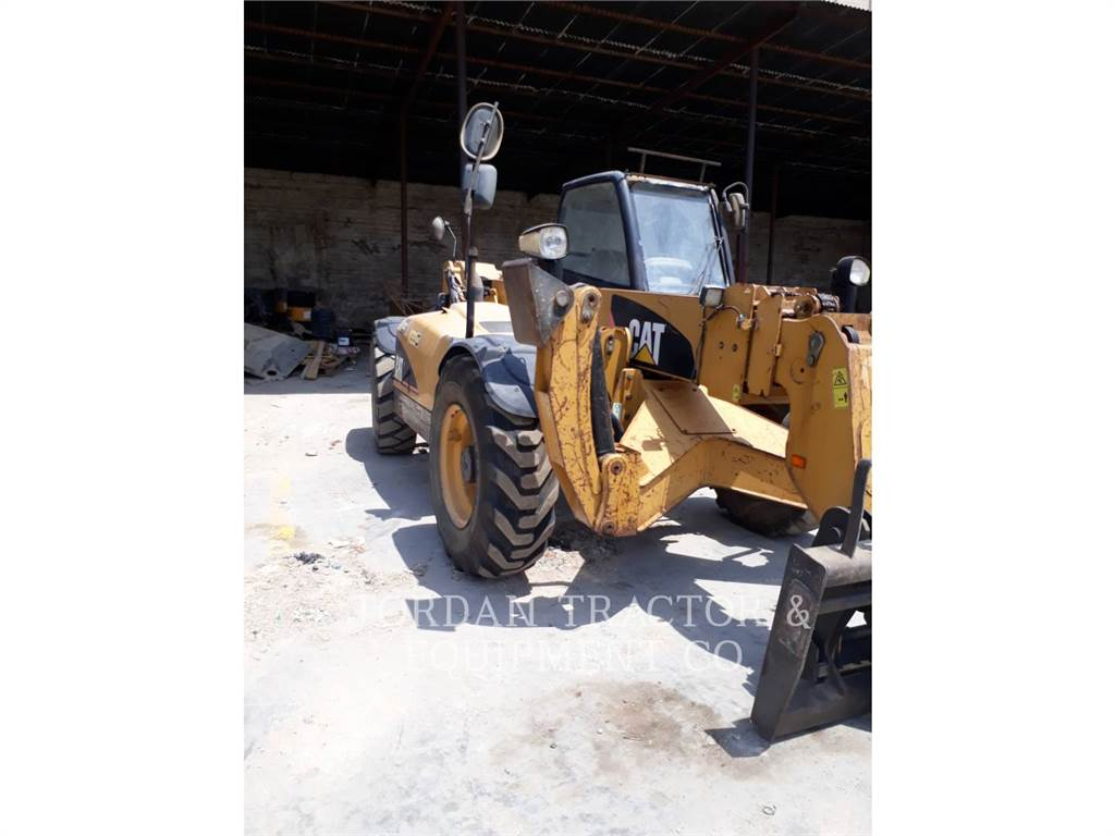 Caterpillar TH360B, manipuladores telescópicos, Construcción