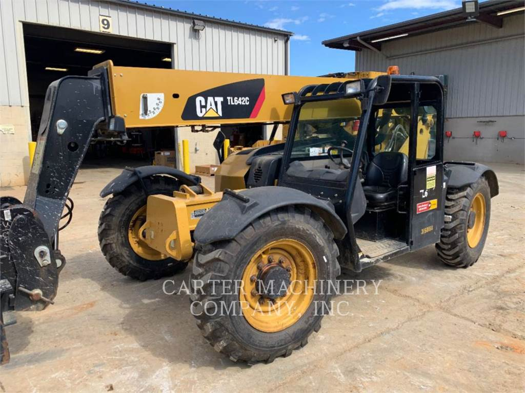 Caterpillar TL642C、伸缩臂叉装车|叉装车、建筑设备