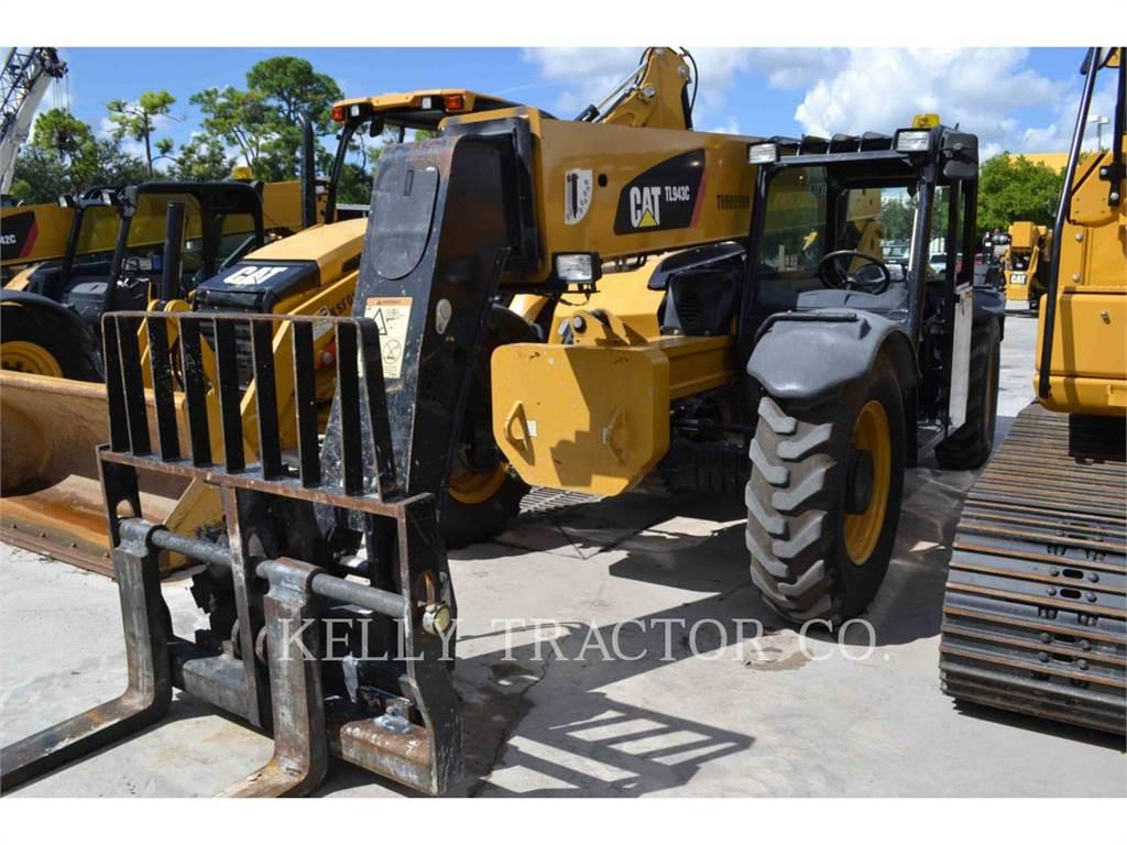 Caterpillar TL943C, manipuladores telescópicos, Construcción