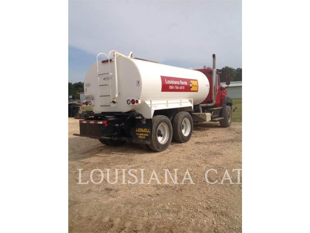 Caterpillar WATER4000, Caminhões-cisterna, Transporte