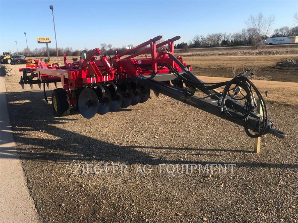 Challenger 4511-09, agrarische bewerkingsuitrusting, Landbouwmachines