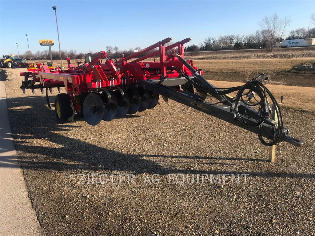 Challenger 4511-09, tillage equipment, Agriculture