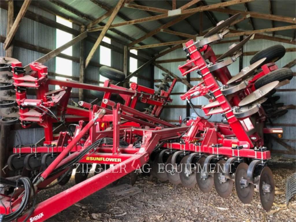 Challenger 4530, tillage equipment, Agriculture