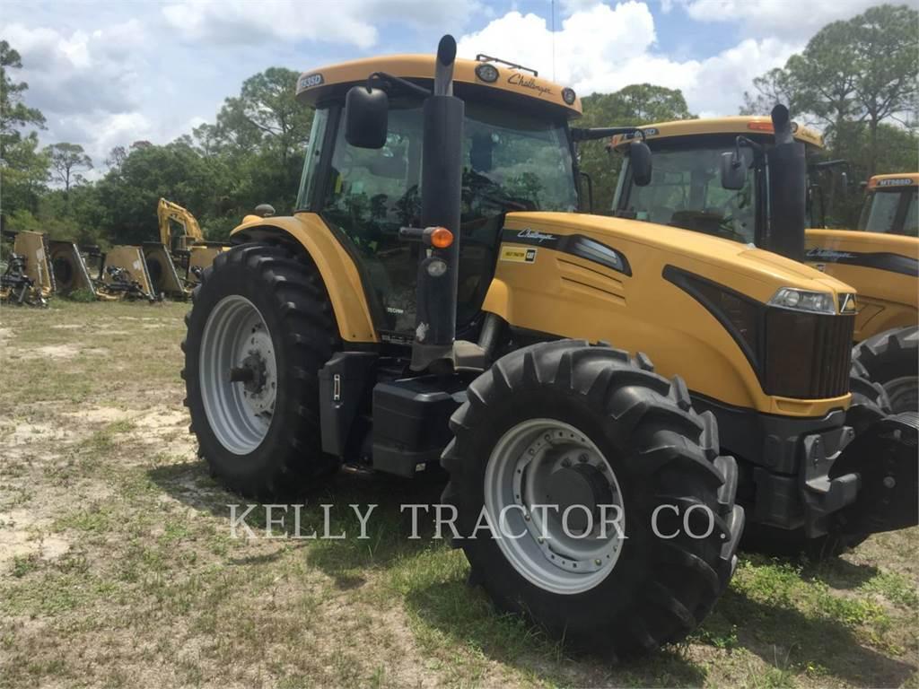 Challenger MT535D、農業用トラクタ、農業
