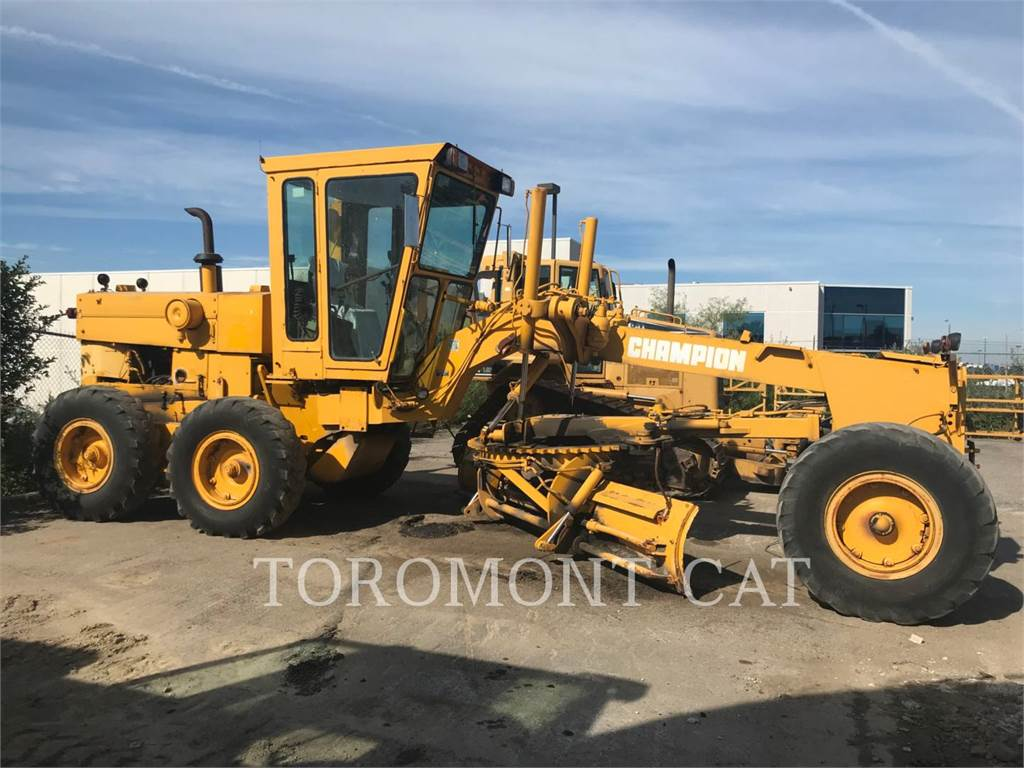 Champion 720A, motor graders, Construction