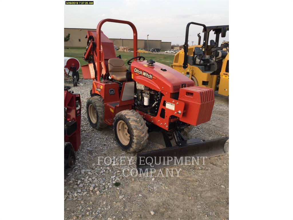 Ditch Witch (CHARLES MACHINE WORKS) RT45A, Trenchers, Construction
