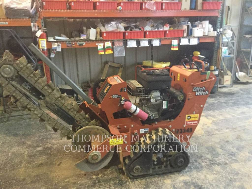 Ditch Witch (CHARLES MACHINE WORKS) C16X, Trenchers, Construction