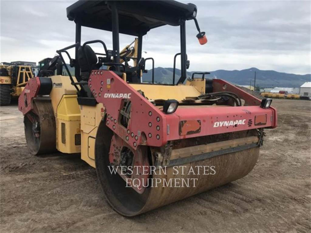 Dynapac CC624, Twin drum rollers, Construction