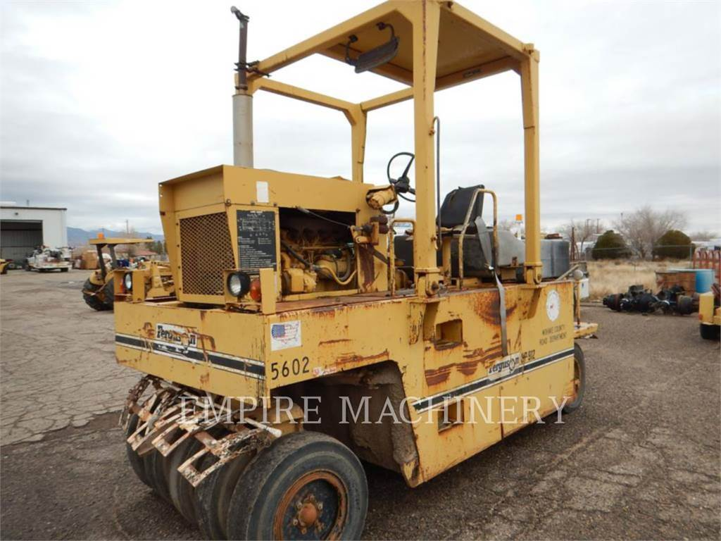 Ferguson SP912, pneumatic tired compactors, Construction