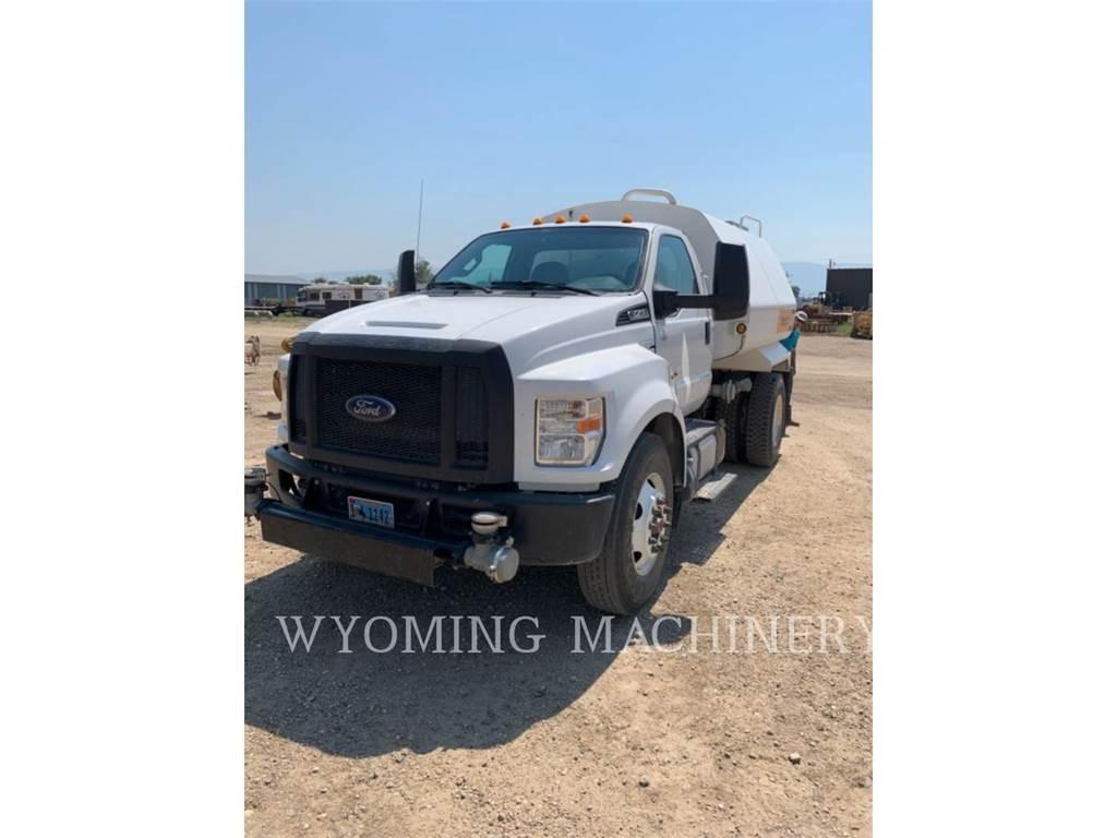 Ford F750 WT, on highway trucks, Transport