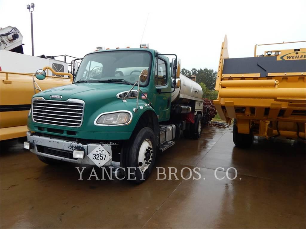 Freightliner (OBSOLETE) M2106, on highway trucks, Transport