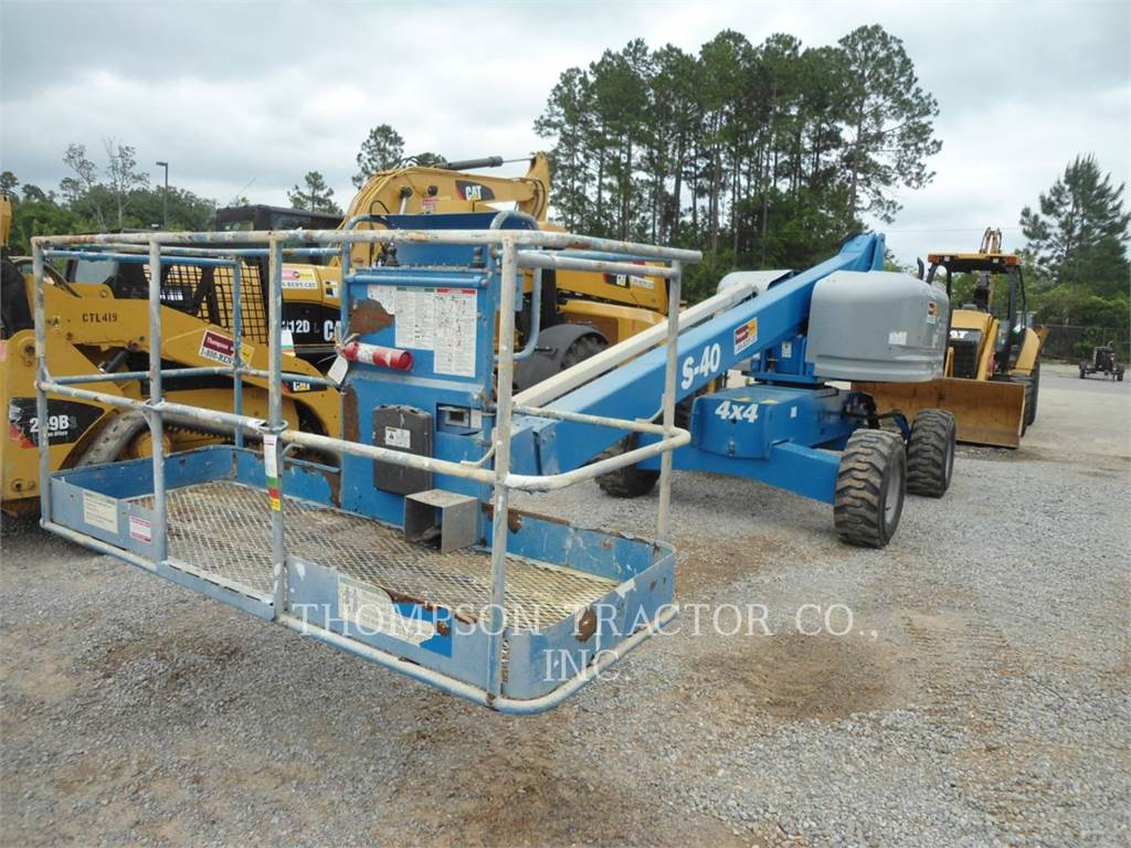 Genie 40 4WD MANLIFT, Articulated boom lifts, Construction