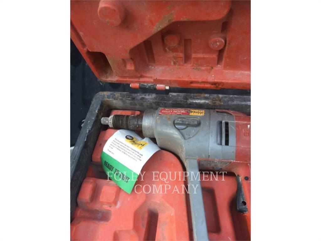Husqvarna DM230, concrete equipment, Construction