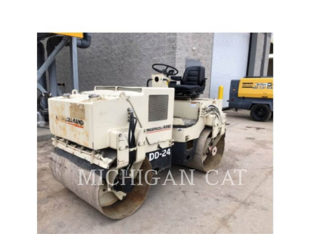 Ingersoll Rand DD24, Single drum rollers, Construction