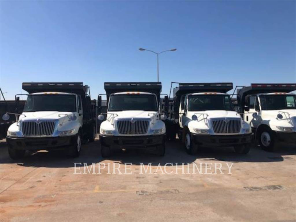 International 4300、发动机、建筑设备