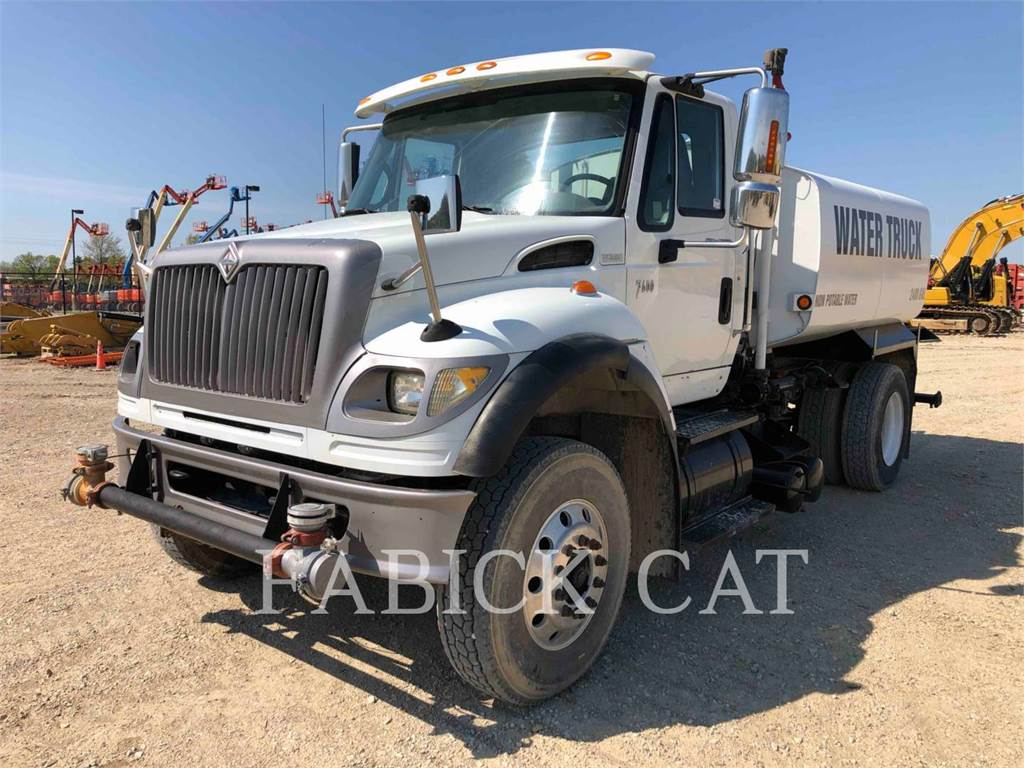 International 7600WT, water trucks, Transport