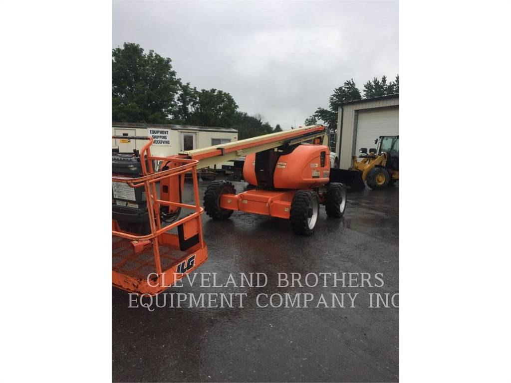 JLG 600A, Articulated boom lifts, Construction