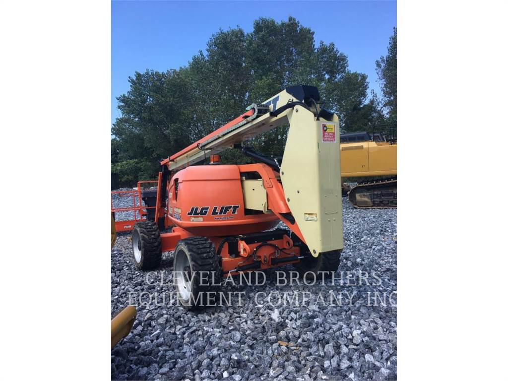 JLG 600AJ, Articulated boom lifts, Construction