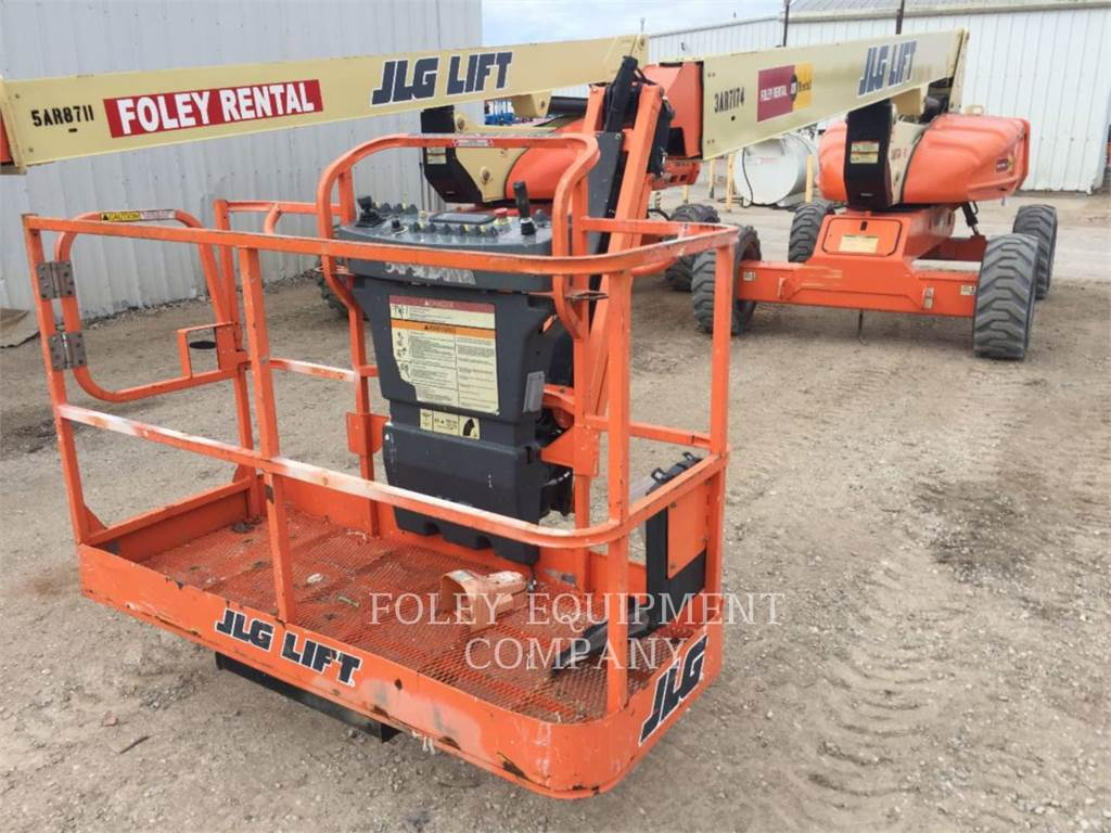 JLG E600J, Articulated boom lifts, Construction