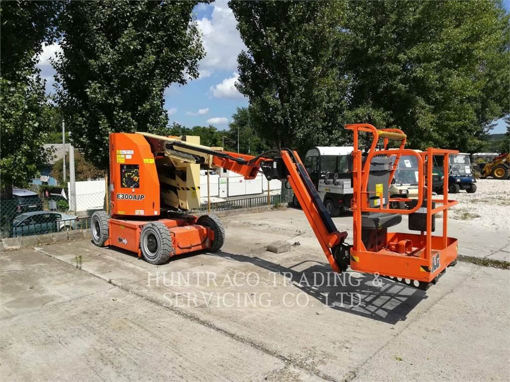 JLG INDUSTRIES (EUROPE) E300AJ, Other lifts and platforms, Construction