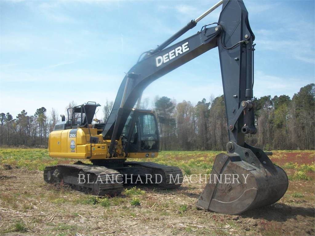 John Deere 250GLC, Crawler Excavators, Construction