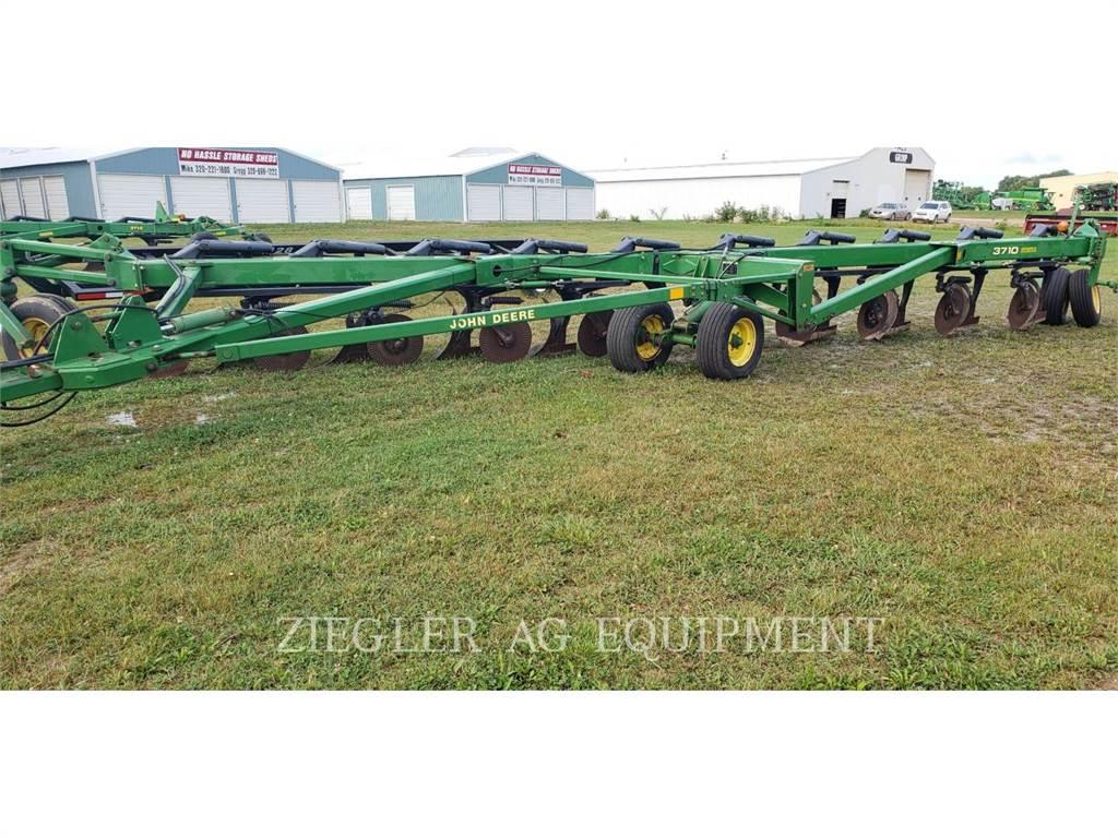 John Deere & CO. 3710, equipo de labranza agrícola, Agricultura