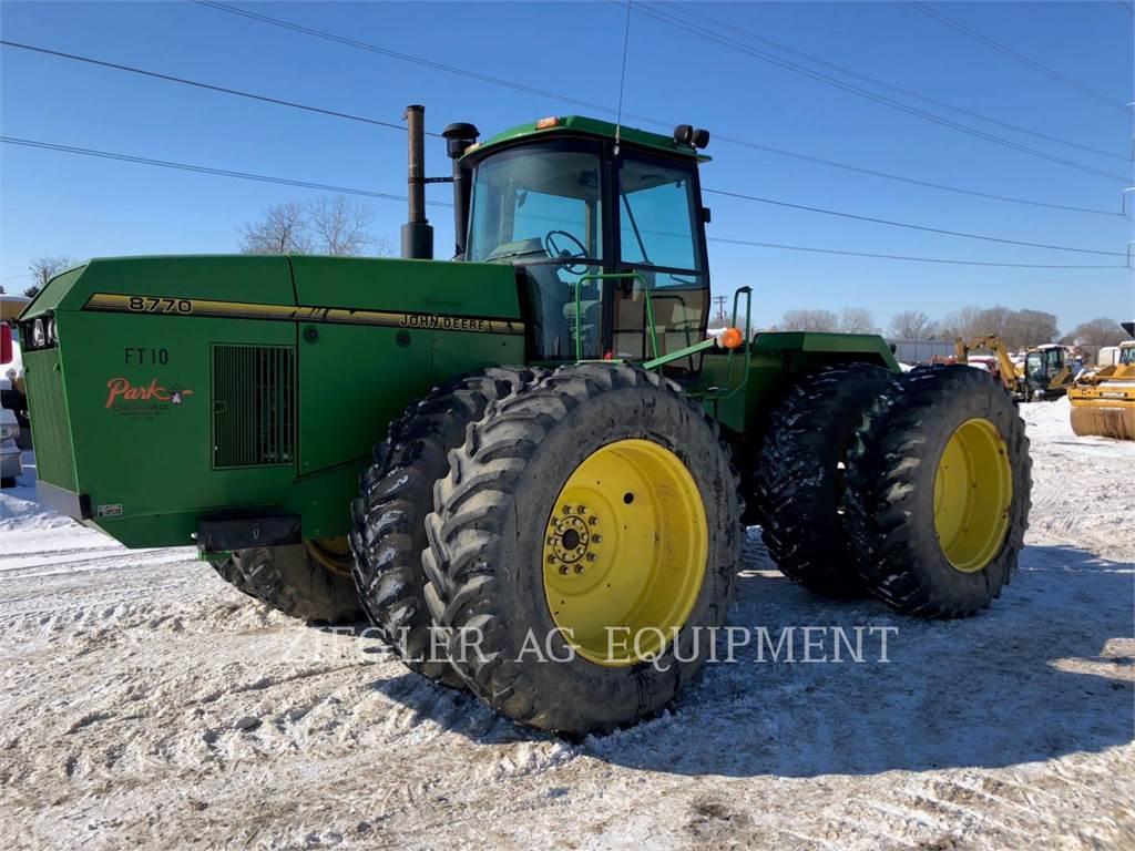 John Deere & CO. 8770、農業用トラクタ、農業