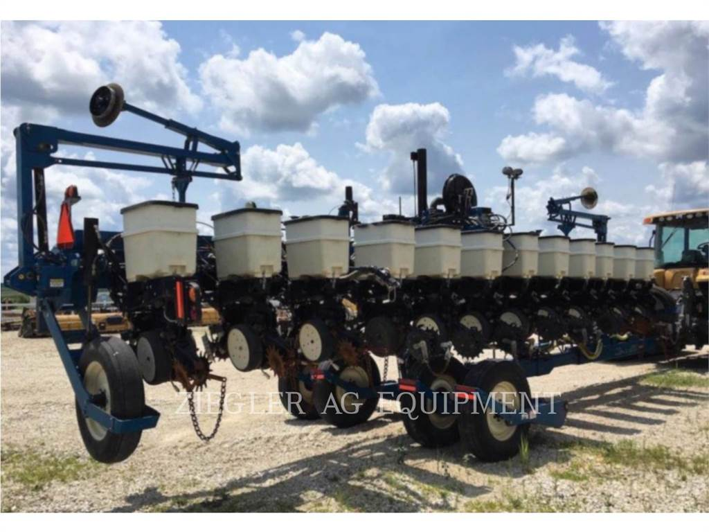 Kinze 3660, planting equipment, Agriculture
