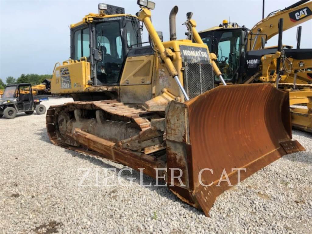 Komatsu D65-EX17 - Dozers - Construction - CATERPILLAR WORLDWIDE