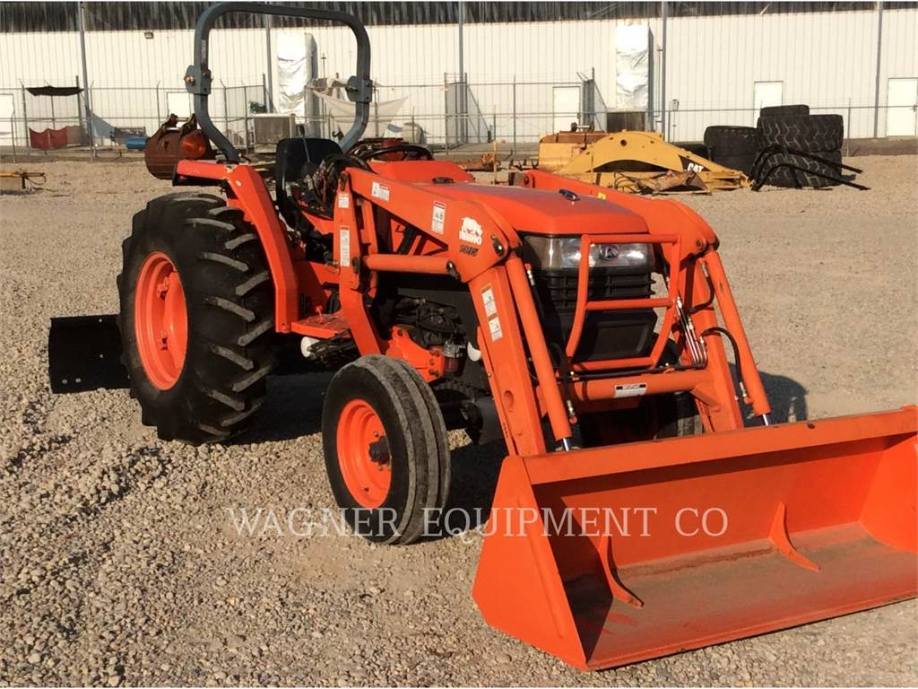 Kubota L4400E, tratores agrícolas, Agricultura