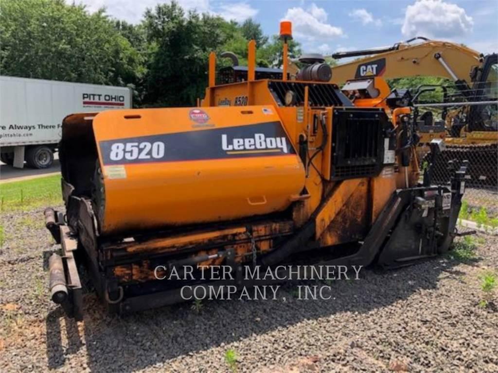 LeeBoy 8520, Asphalt pavers, Construction