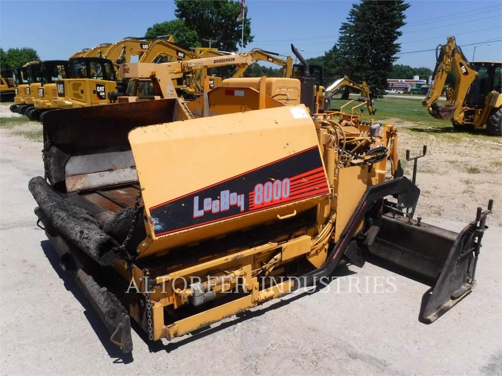 LeeBoy L8000T, Pavimentadoras de asfalto, Equipamentos Construção
