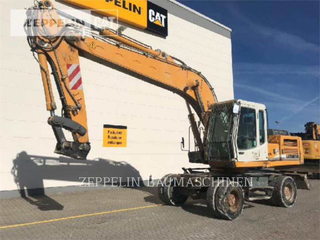 Liebherr A924BLIT, wheel excavator, Construction