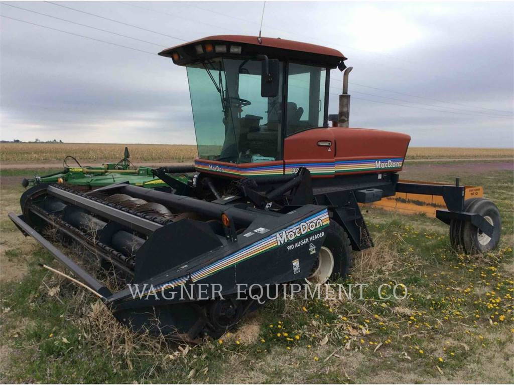 MacDon 9250, hay equipment, Agriculture
