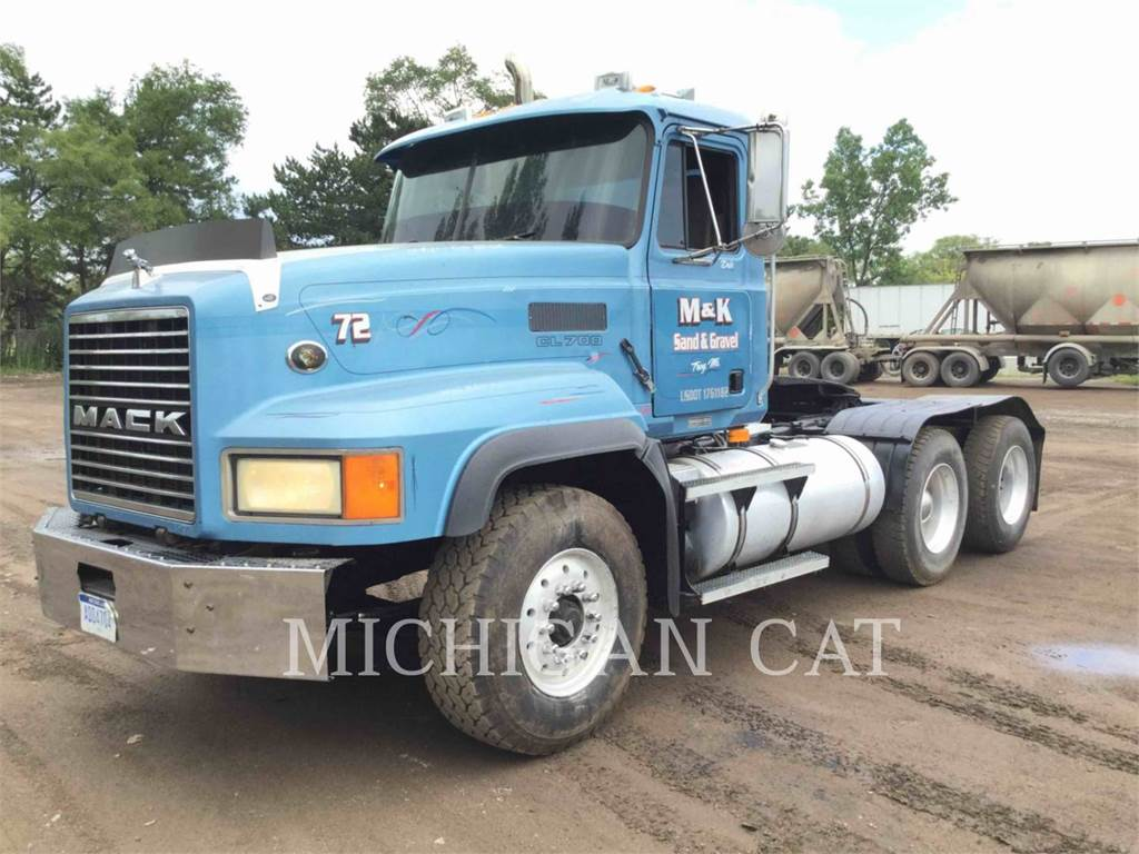 Mack CL713, on highway trucks, Transport