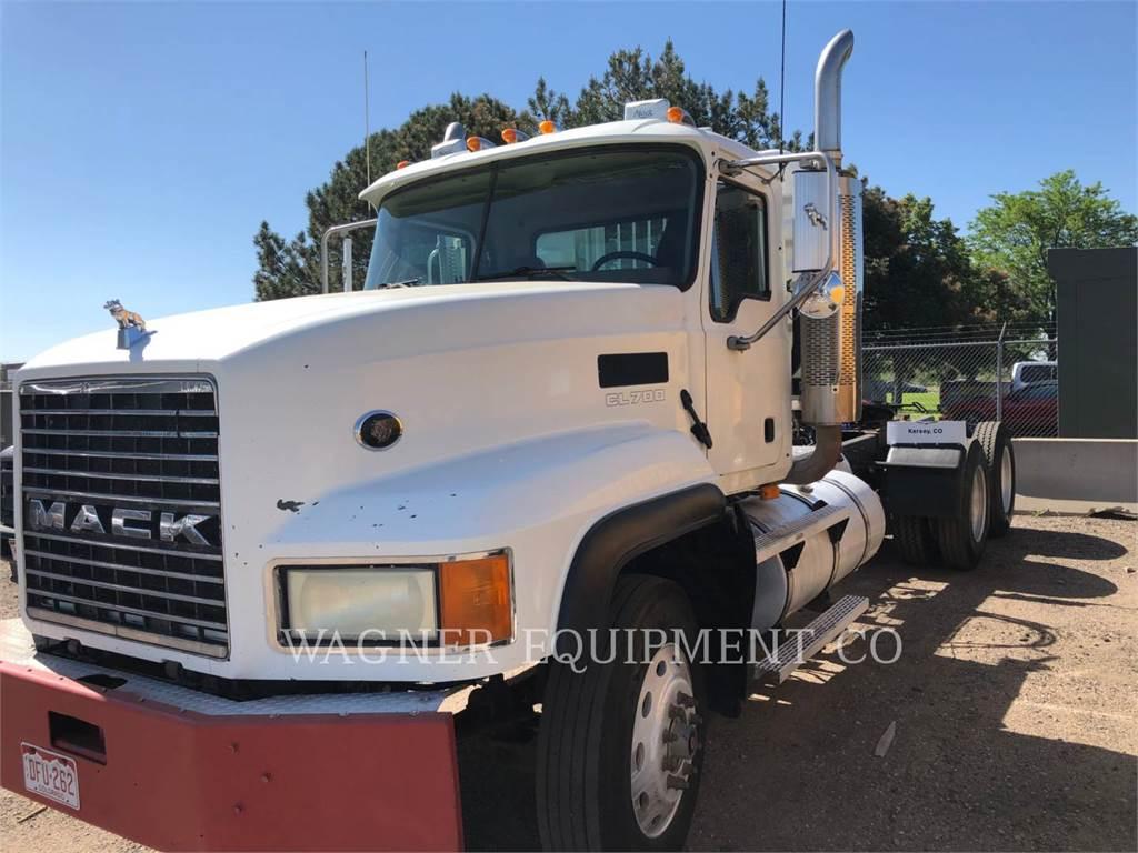 Mack CL733, on highway trucks, Transport