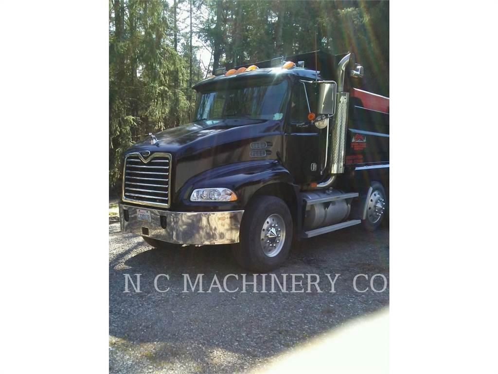 Mack DUMPTRUCK, on highway trucks, Transport