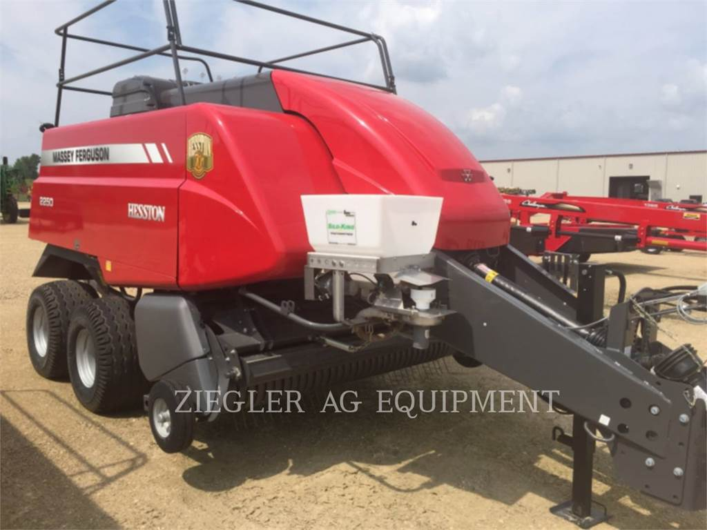 Massey Ferguson 2250, lw - heugeräte, Landmaschinen