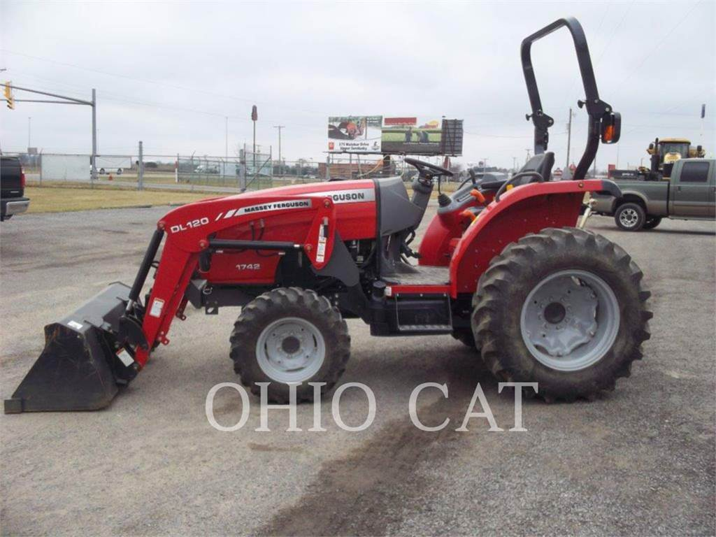Massey Ferguson MF1742L, landwirtschaftstraktoren, Landmaschinen