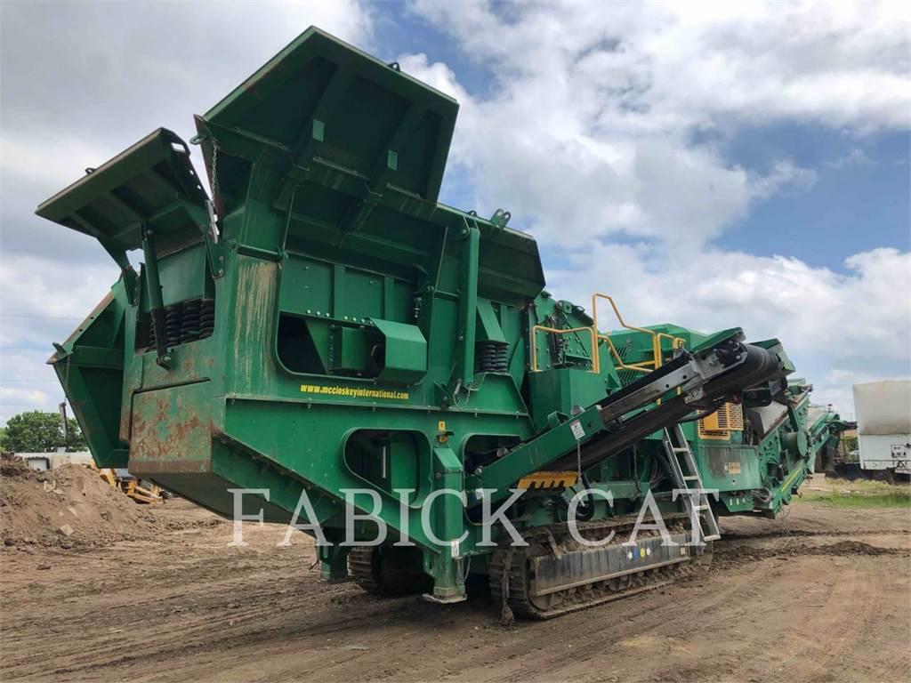 McCloskey I44R, crushers, Construction