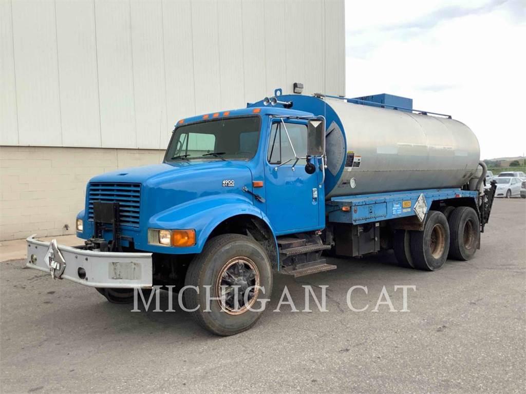 Navistar INT 4900, on highway trucks, Transport