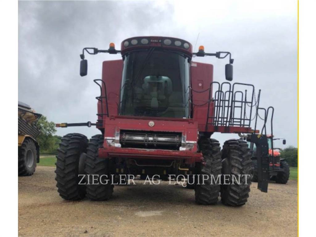 New Holland 7010, combines, Agriculture