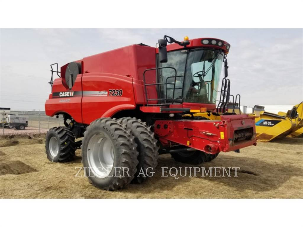 New Holland 7230, combines, Agriculture