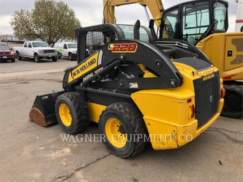 New Holland L228, Skid Steer Loaders, Construction