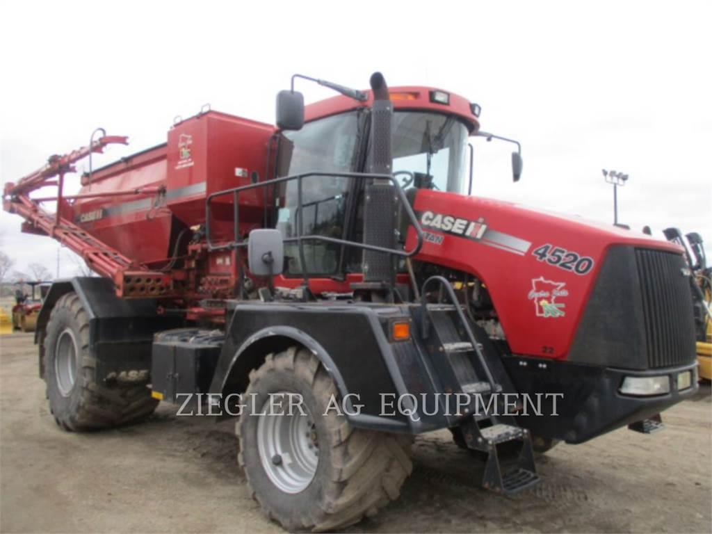 New Holland TITAN4520、ミネラル散布機、農業