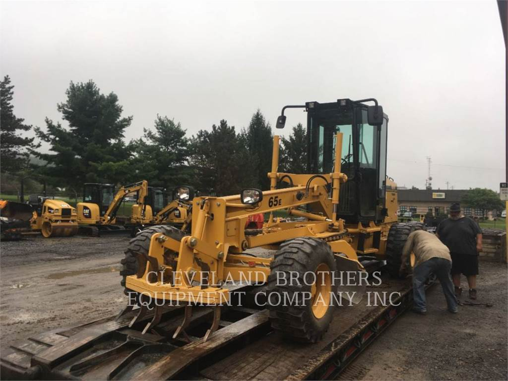 Noram 65E, motor graders, Construction